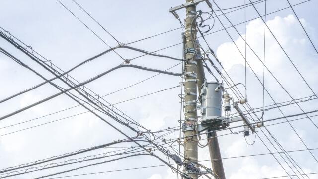 電柱復旧作業